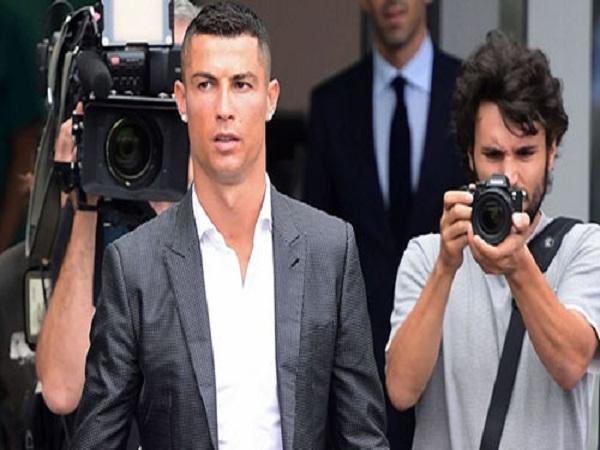 Ronaldo nộp tiền trốn thuế