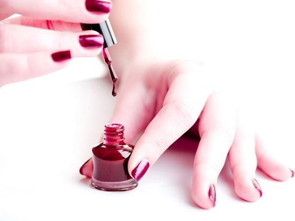 Các cách sơn móng tay đẹp cho bạn gái