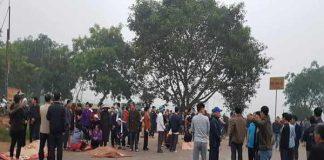 Xe khách đâm vào đoàn người đưa tang khiến 7 người tử vong