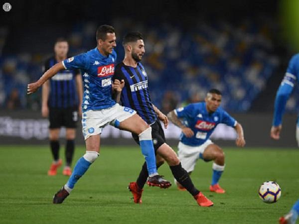 Inter bại trận, Milan thắp lên hy vọng vào Top 4